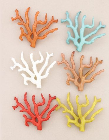 Broches coral resina